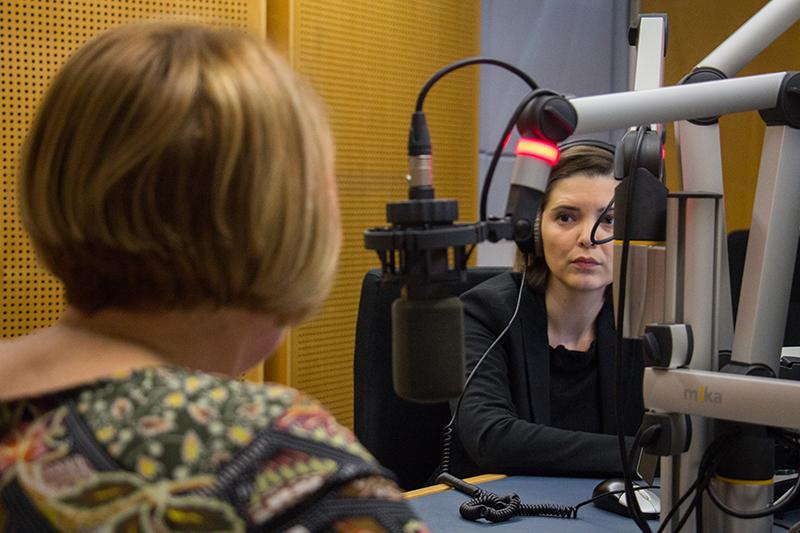 "Helga Krismer im ""Radio Niederösterreich Wahlcafé"""