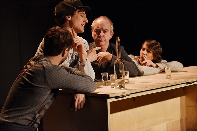 Landestheater Niederösterreich Uraufführung Die Flucht ohne Ende Josef Roth
