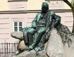 Stifter-Skulptur im Landhauspark von Johann Rathausky