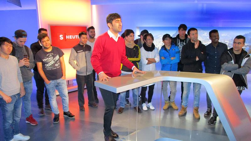 Führung Flüchtlinge im ORF Salzburg