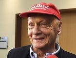 Niki Lauda bei PK nach Übernahme von Niki