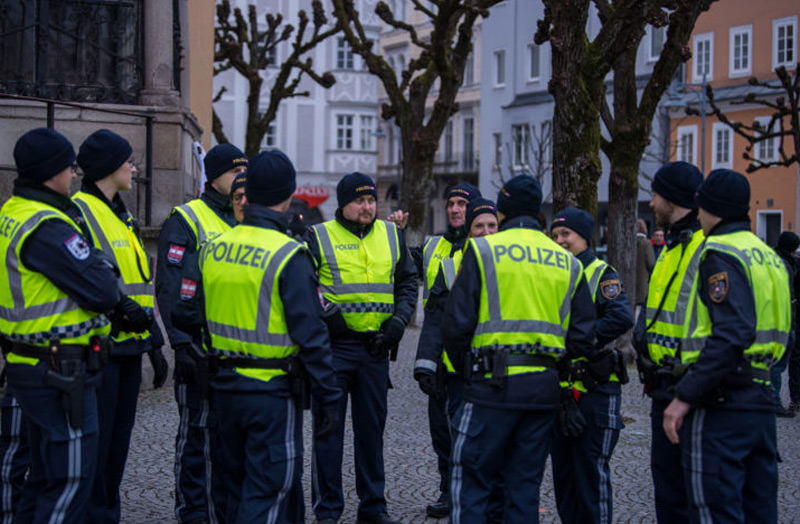 Demo vor dem Burschenbundball in Linz