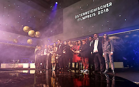 """Gruppenfoto Preisträger im Rahmen der Vergabe """"Österreichischer Filmpreis 2018"""" in Grafenegg"""