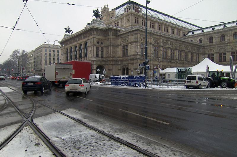 Demo Freitag Wien Detail: Opernball: Demo Und Verkehrsbehinderungen