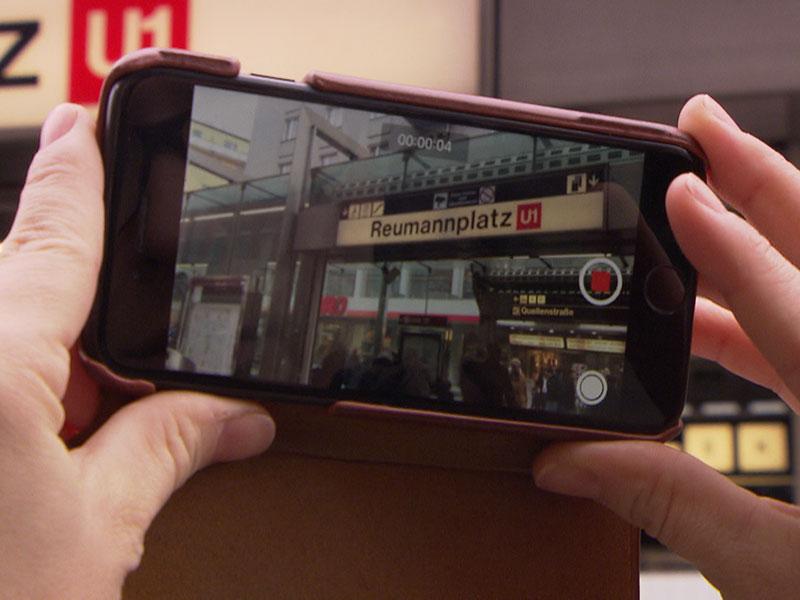 71-Jähriger brach am Reumannplatz zusammen: Menschenmenge behinderte Einsatzkräfte