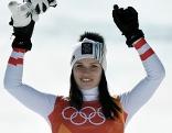 Anna Veith bei der Flower Ceremony nach Super G-Silber bei den Olympischen Spielen in Pyeongchang