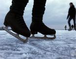 Gefährliches Eis Eislaufen See Teich gefroren