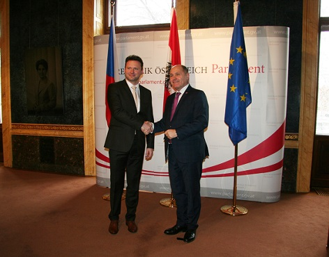 Radek Vondráček s Wolfgangem Sobotkou v Palais Epstein