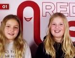 Zwei Mädchen im Redhaus