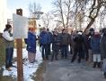Besucher des Gedenkweges in Oberwart