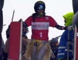 Julia Dujmovits am Start mit Baströckchen