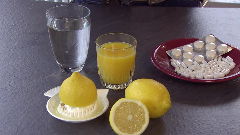Vitamin C in Form von Zitronen/Orangensaft/Vitaminpräparate