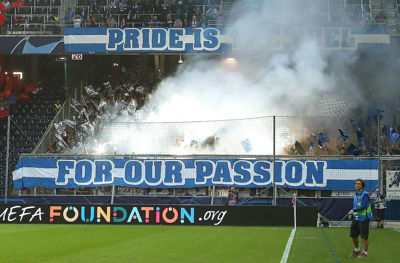 Polizei Mit Pfefferspray Gegen Genk Fans Salzburg Orf At