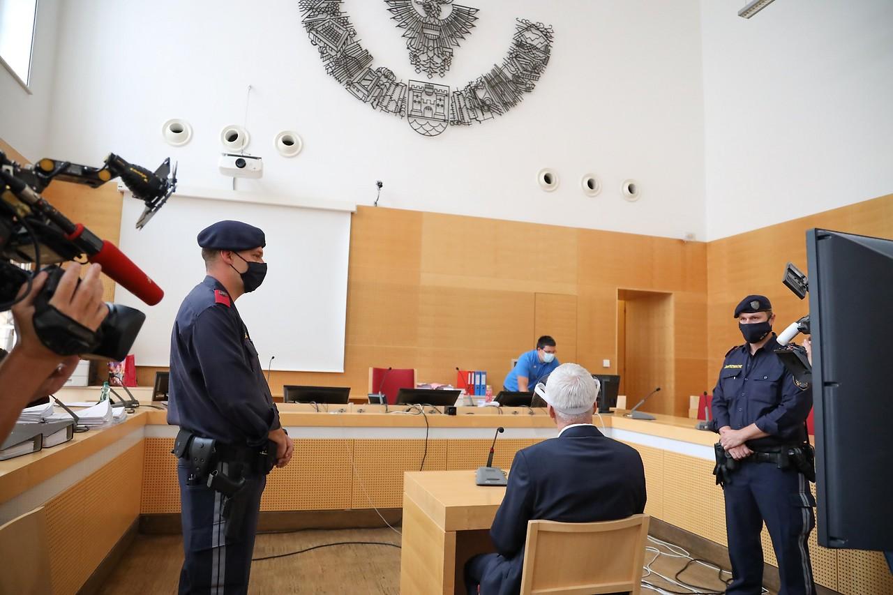 Erster Tag im Prozess um Kindesmissbrauch - ooe.ORF.at