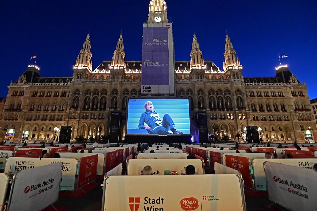 Filmfestival soWIENie am Rathausplatz - wien.ORF.at