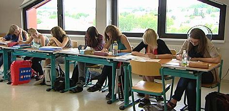 Schule und Schüler in Klasse