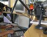 C.H. Planton im Radiostudio