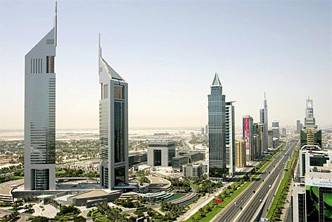 Die Sheikh Zayed Road in Dubai