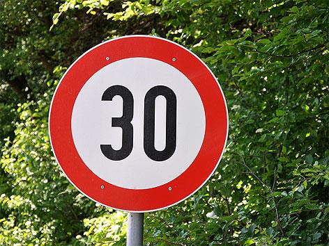 Verkehrszeichen Tempo 30