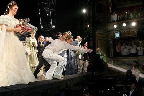 Abschlussapplaus bei der letzten Vorstellung am 4. Dezember 2005 im Theater an der Wien