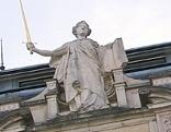 Justitia auf dem Salzburger Landesgericht