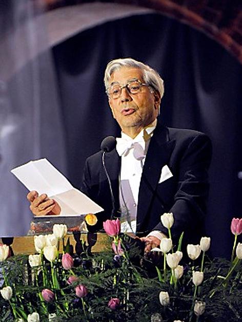 Mario Vargas Llosa bei der Nobelpreis-Gala im Dezember 2010 in Stockholm