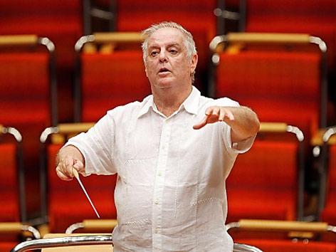 Daniel Barenboim am Dirigentenpult