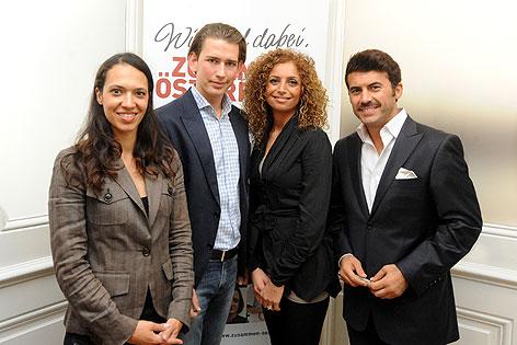 (v. l. n. r.) Moderatorin Amira Aveel, Integrationsstatssekretär Sebastian Kurz, Moderatorin Eser Ari-Akbeba und Schauspieler Mike Galeli.