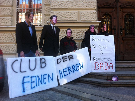 Demonstranten vor dem Grazer Straflandesgericht.