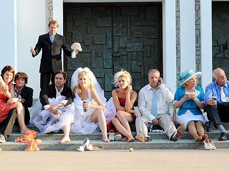 """Hochzeitsszene aus der dritten Staffel der Serie """"Die Lottosieger"""""""