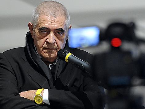 Peter Noever bei einer Pressekonferenz im MAK im Februar 2011