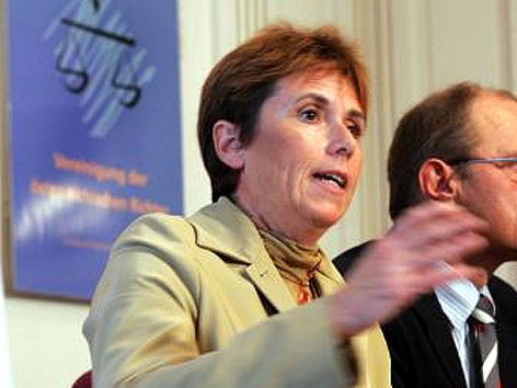 Juristin Barbara Helige