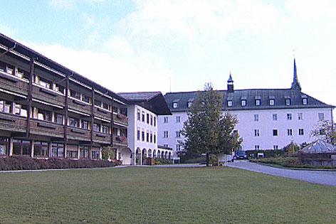 Schloss Schernberg, in dem das St. Vinzenz Heim untergebracht ist