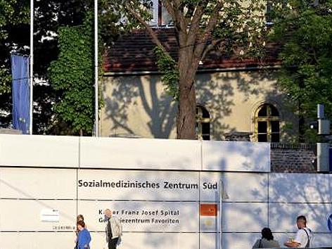 Eingang Kaiser-Franz-Josef-Spital - Sozialmedizinisches Zentrum Süd