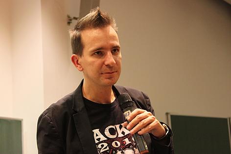 Gerald Hörhan hält einen Vortrag auf der WU (BWZ) Wien