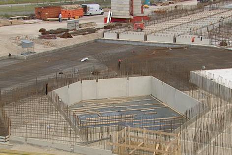 Blick von oben auf Baustelle MedAustron