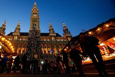 Adventmarkt auf dem Rathausplatz