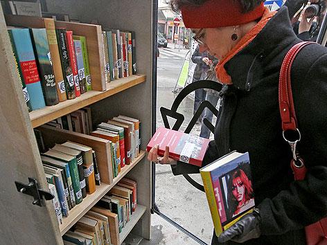 Neuer Bücherschrank In Margareten Wienorfat