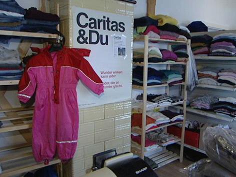 Kleidung im Secondhand-Shop