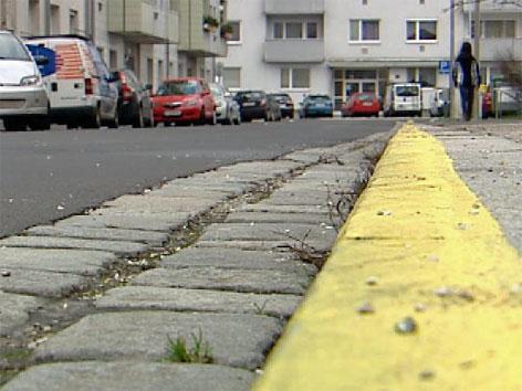 Gelbe Bodenmarkierung