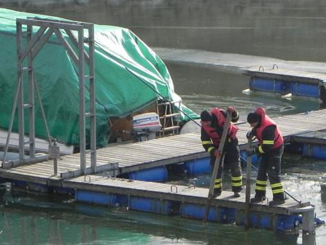 Feuerwehreinsatz auf der Donau