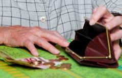 Leere Geldtasche Pensionist