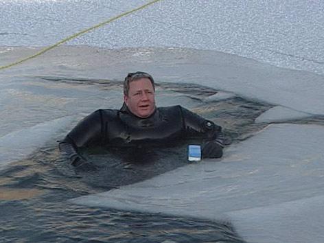 Selbstversuch am Eis, Peter Matha bricht ein
