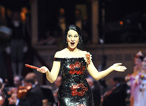 Opernball 2012: Im Bild Sopranistin Angela Gheorghiu während der Eröffnung