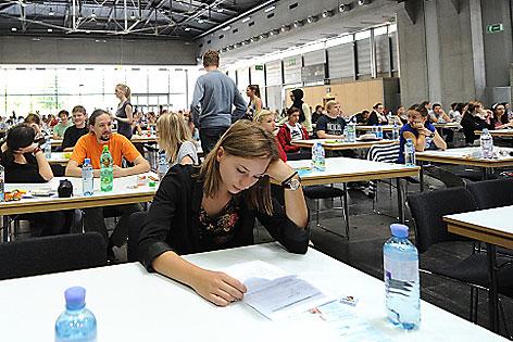 Studenten bei Aufnahmetest