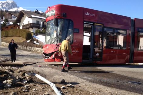 Beschädigte Straßenbahn