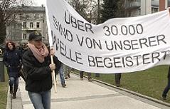 AK Vorarlberg kritisierte Anti-Strahlen-Welle Demo vor der Arbeiterkammer