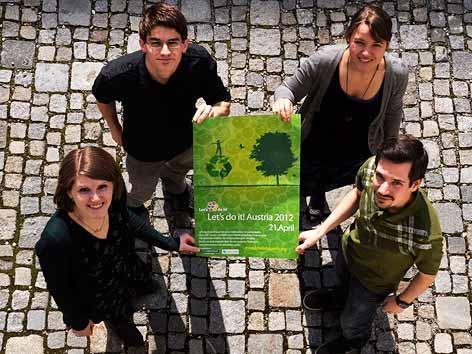 Die vier Initiatoren der Müllsammelaktion in Österreich
