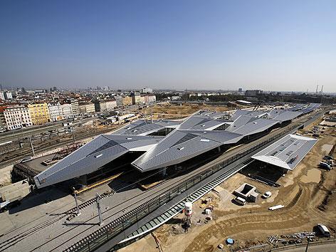 Blick auf die Baustelle des Wiener Hauptbahnhofs im April 2012