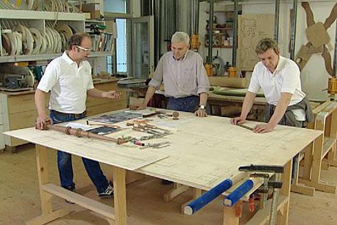Werkstatt, in der das Papamobil gebaut wird